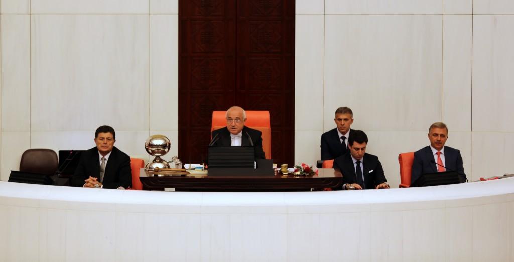 Muhammed Bozdağ, TBMM kürsüsünde, Genel Sekreter Yardımcısı (2014)